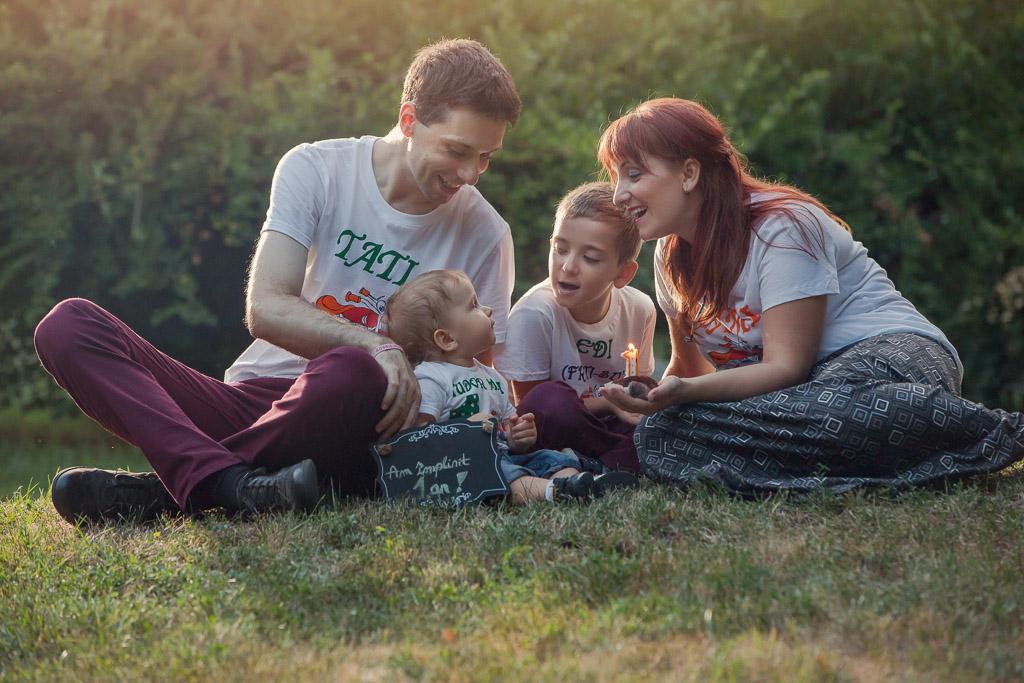 Tudor, Oana, Edi & Tibi, sedinta foto familie...